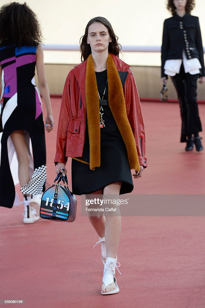A model walks at Louis Vuitton 2017 Cruise Collection at MAC on May 28, 2016 in Niteroi, Brazil.