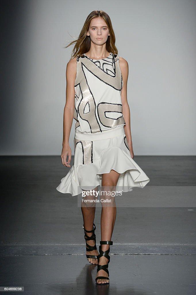 NY: Miguel Vieira - Runway - September 2016 - New York Fashion Week