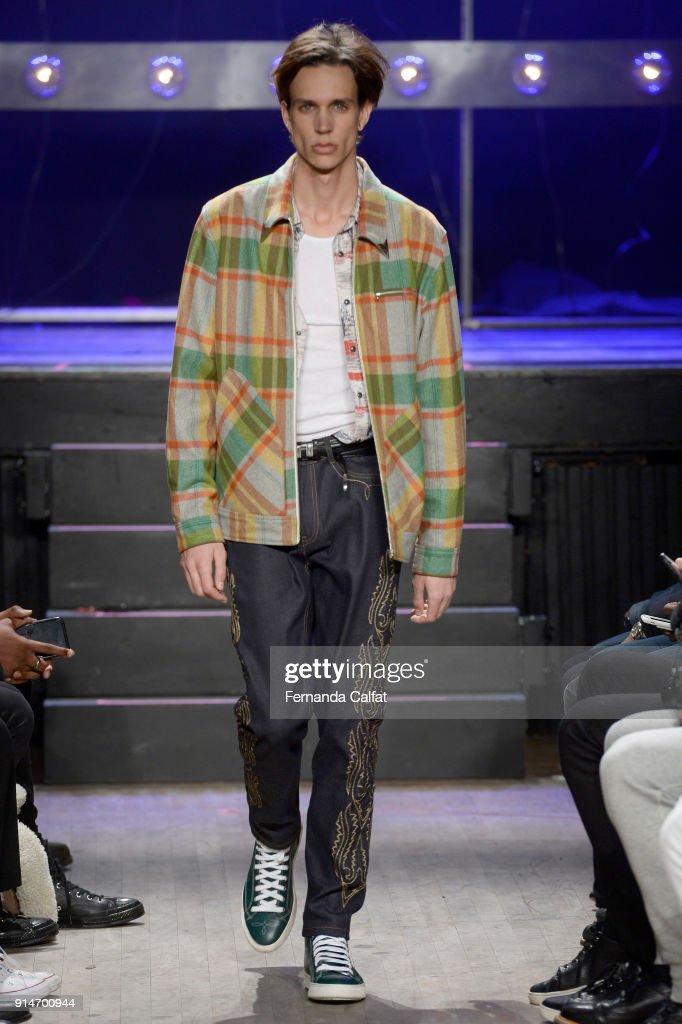 Ovadia & Sons - Runway - February 2018 - New York Fashion Week: Mens' : ニュース写真