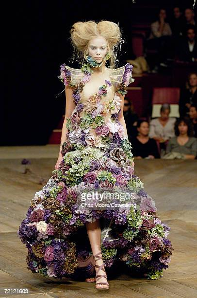 Model walks down the catwalk during the Alexander McQueen Fashion Show as part of Paris Fashion Week Spring/Summer 2007 on October 6, 2006 in Paris,...