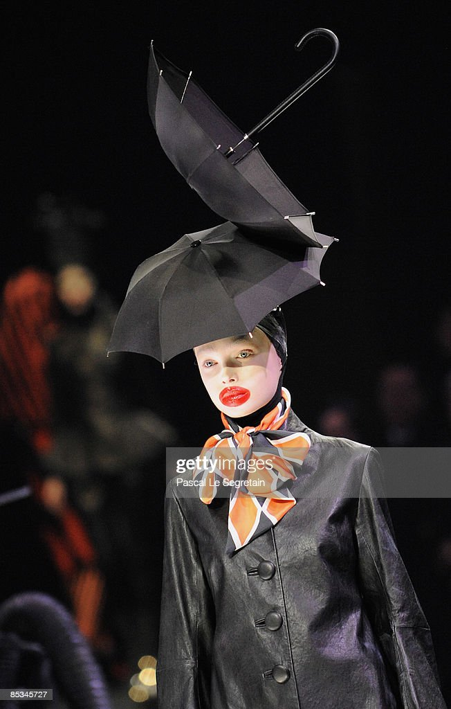 A model walks down the catwalk during the Alexander McQueen Ready-to-Wear A/W 2009 fashion show during Paris Fashion Week at POPB on March 10, 2009 in Paris, France.