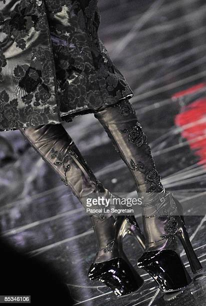 Model walks down the catwalk during the Alexander McQueen Ready-to-Wear A/W 2009 fashion show during Paris Fashion Week at POPB on March 10, 2009 in...