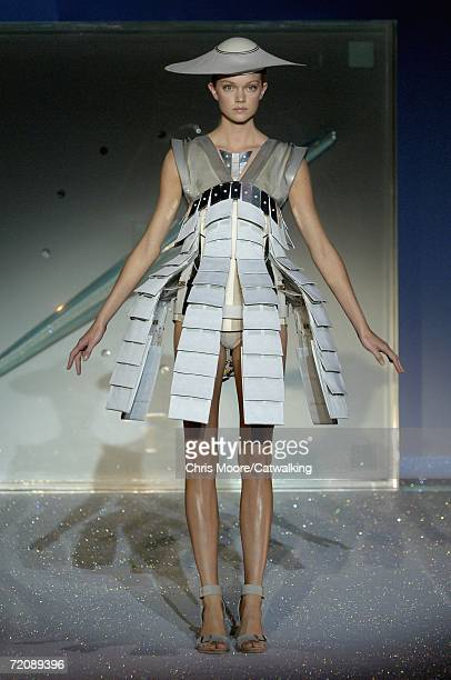 Model walks down the catwalk during the Hussein Chalayan Fashion Show as part of Paris Fashion Week Spring/Summer 2007 on October 4, 2006 in Paris,...