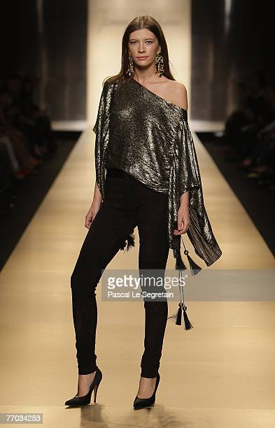 A model walks down the catwalk during the Jenny Packham Spring/ Summer 2008 collection on September 26 2007 in Milan Italy