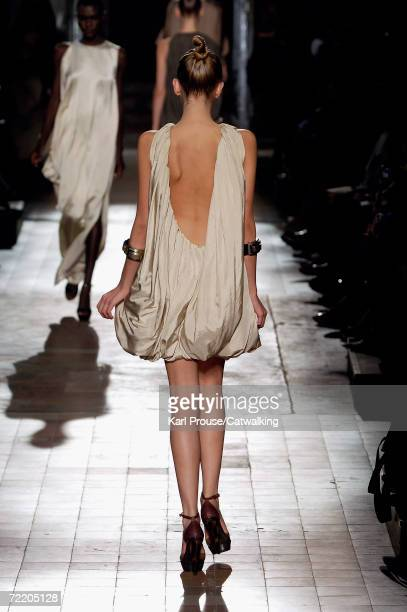 A model walks down the catwalk during the Lanvin Fashion Show as part of Paris Fashion Week Spring/Summer 2007 on October 8 2006 in Paris France