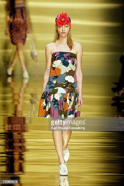 Model walks down the catwalk during the Sportmax Fashion Show as part of Milan Fashion Week Spring/Summer 2007 on September 29, 2006 in Milan, Italy.