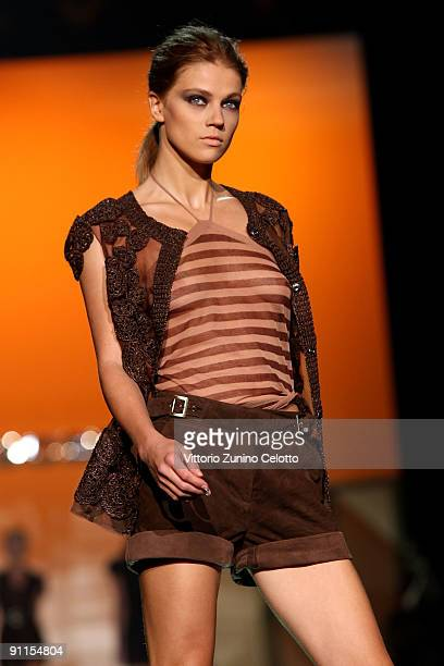 A model walks down the runway during the Ermanno Scervino show as part of Milan Womenswear Fashion Week Spring/Summer 2010 on September 25 2009 in...