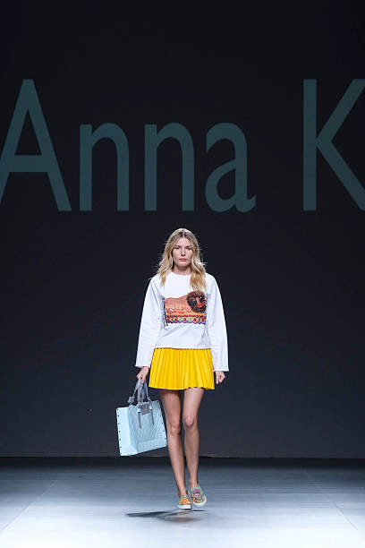 fotos und bilder von anna k - catwalk- mercedes-benz fashion week