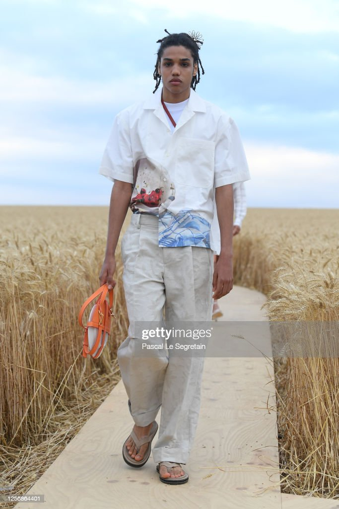 """L'Amour"" : Jacquemus Spring-Summer 2021 Show : ニュース写真"
