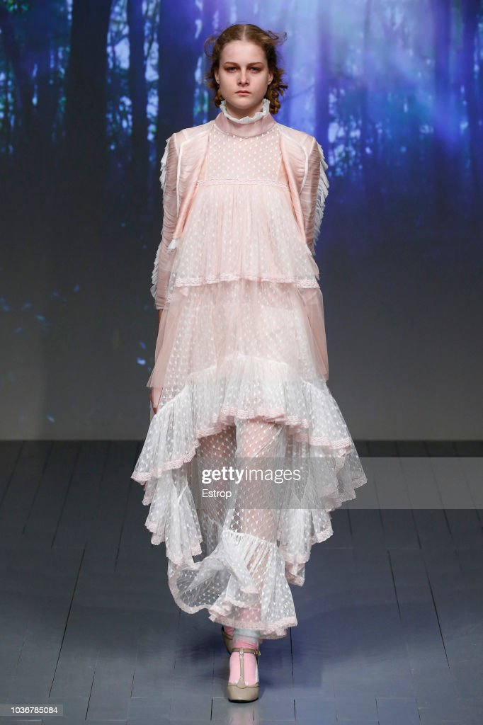 Bora Aksu - Runway - LFW September 2018 : News Photo