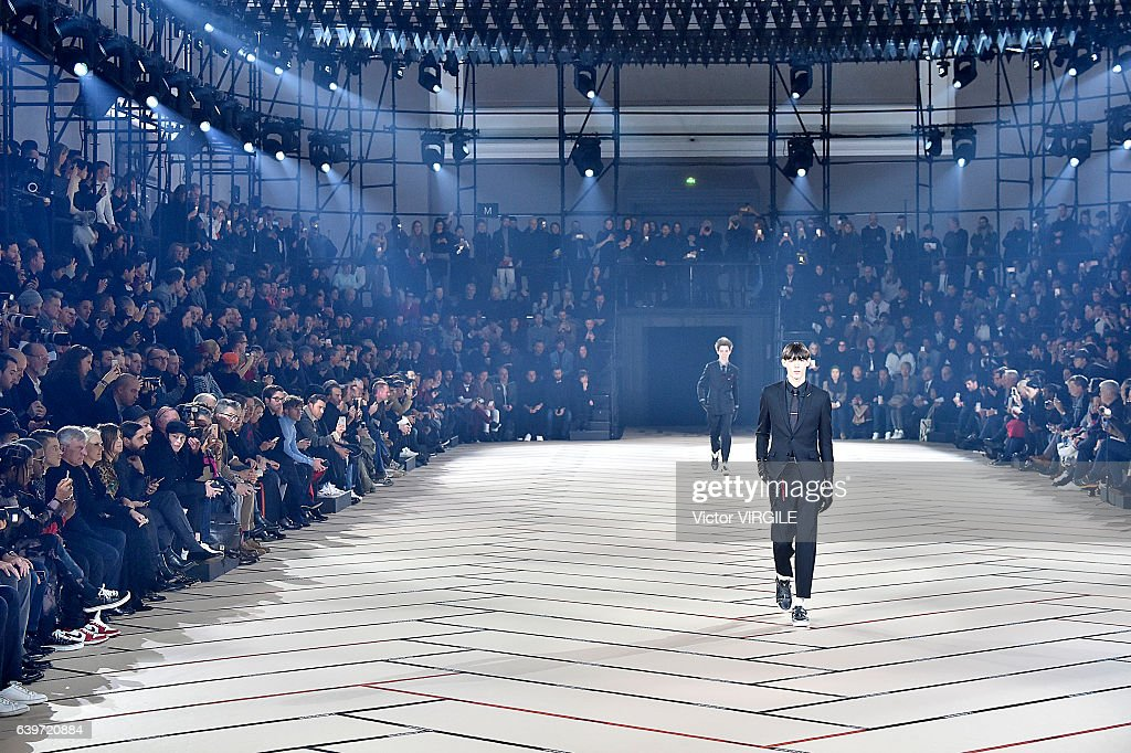 Dior Homme : Runway - Paris Fashion Week - Menswear F/W 2017-2018 : ニュース写真