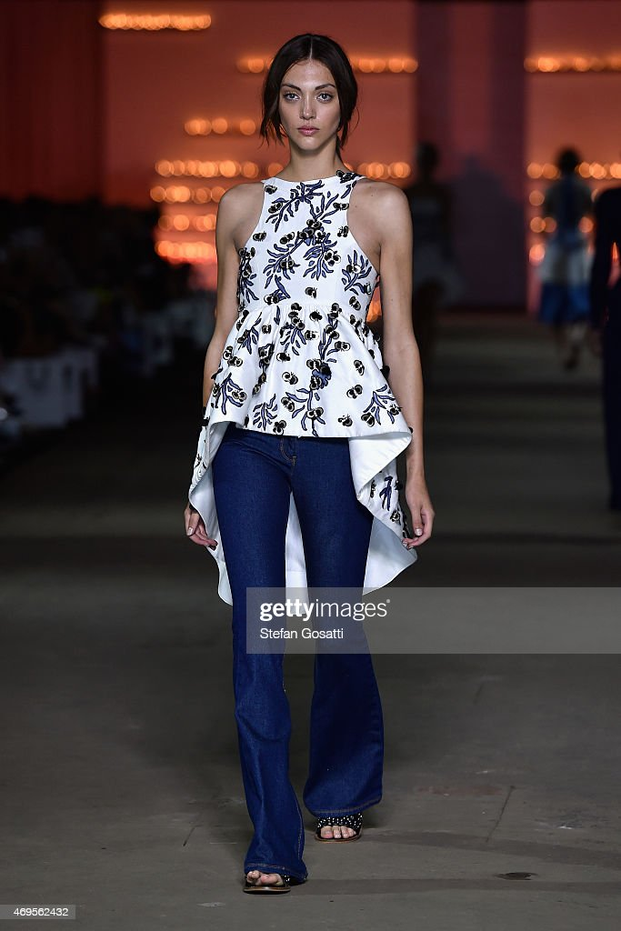 AJE - Runway - Mercedes-Benz Fashion Week Australia 2015 : News Photo