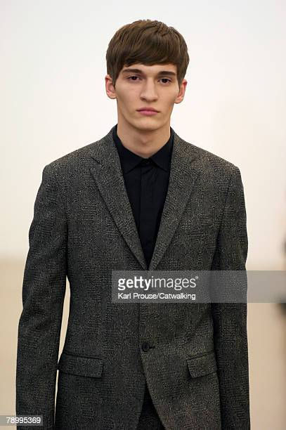 A model walks the catwalk during the Jil Sander fashion show as part of Autumn Winter 2008/2009 Milan Menswear fashion week on January 12 2008 in...