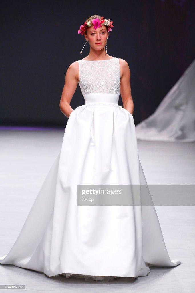 ESP: Aire Barcelona - Show - Valmont Barcelona Bridal Fashion Week 2019