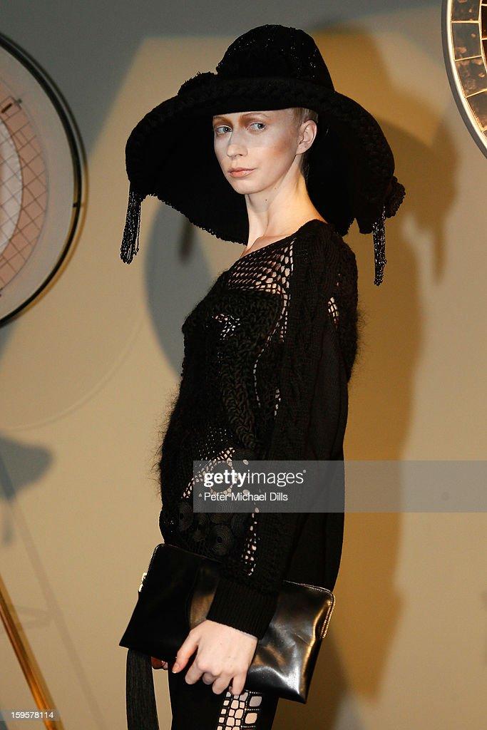 Augustin Teboul Show - Mercedes-Benz Fashion Week Autumn/Winter 2013/14 : Nachrichtenfoto