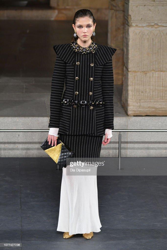 Chanel Metiers D'Art 2018/19 Show - Runway : ニュース写真