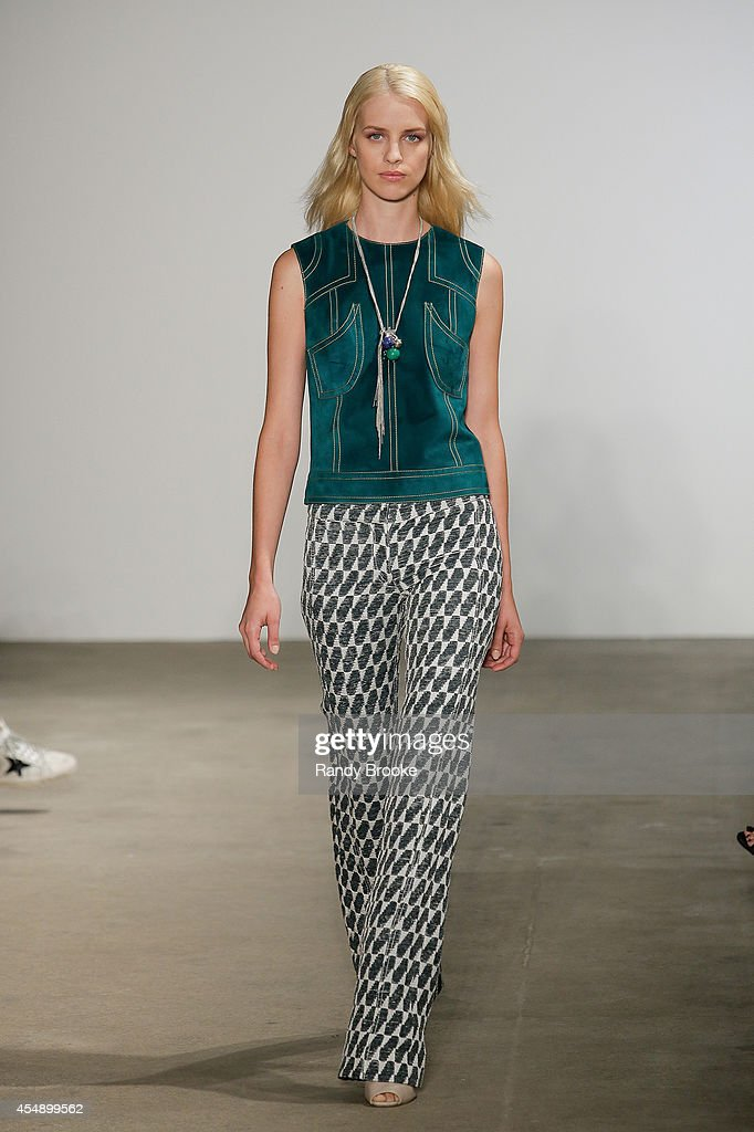 Derek Lam - Runway - Mercedes-Benz Fashion Week Spring 2015 : News Photo