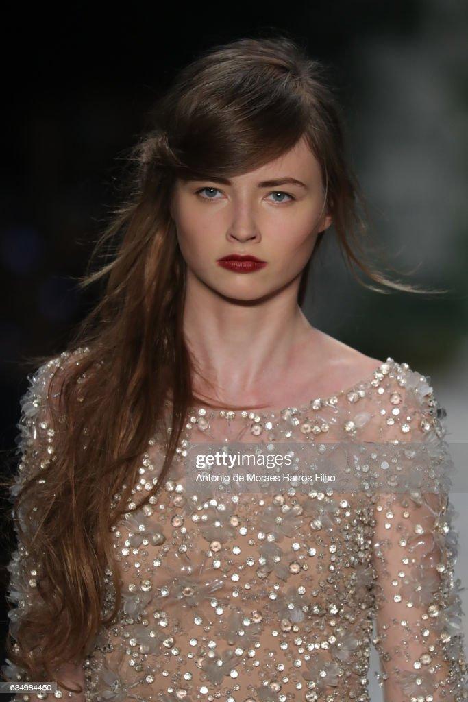 Jenny Packham - February 2017 - New York Fashion Week: The Shows : News Photo