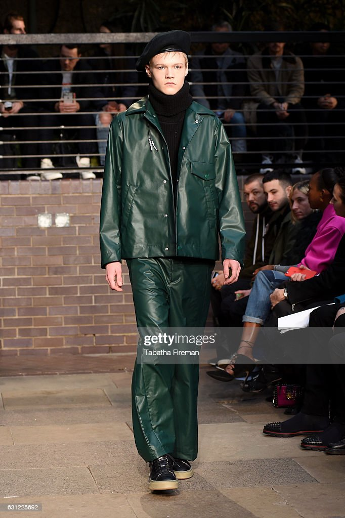 Maison MIHARA YASUHIRO - Runway - LFW Men's January 2017 : News Photo