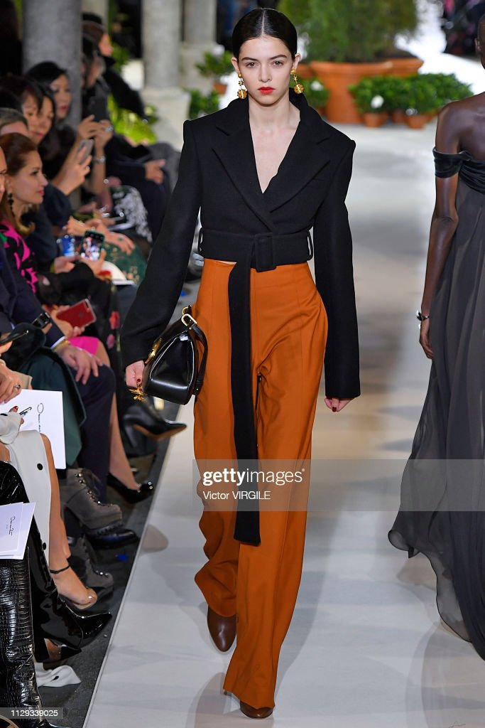Oscar De La Renta - Runway - February 2019 - New York Fashion Week : News Photo