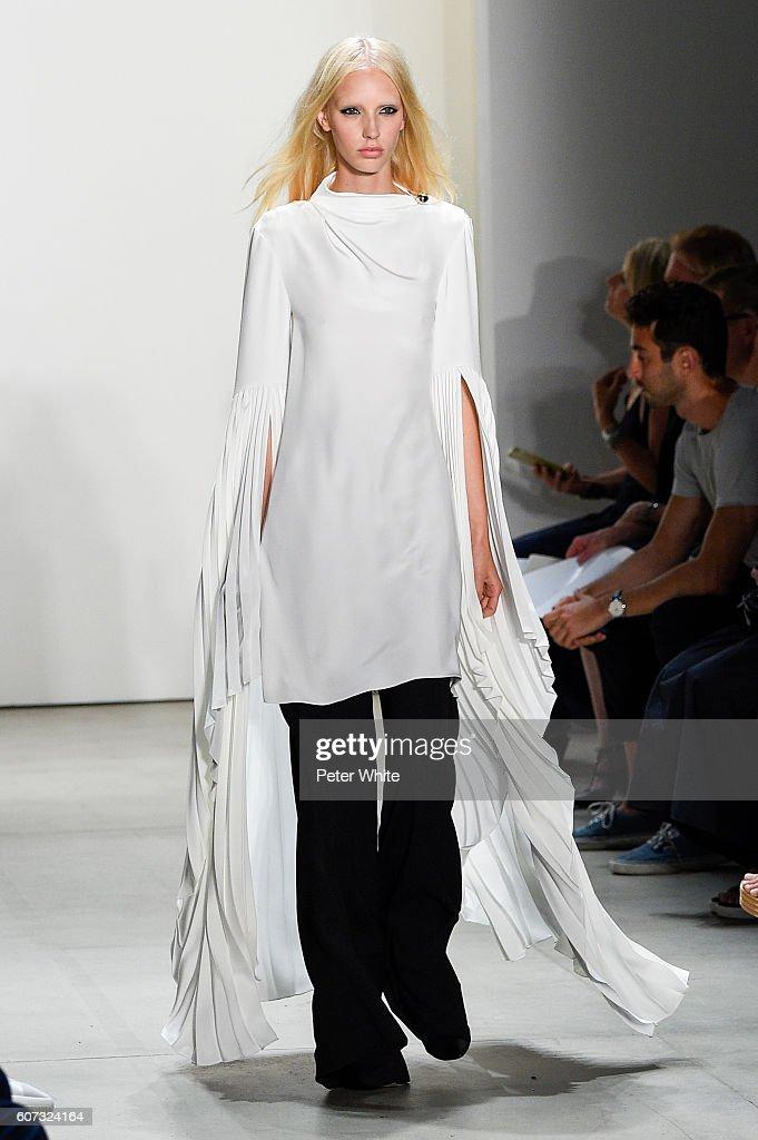 Prabal Gurung - Runway - September 2016 - New York Fashion Week: The Shows : News Photo