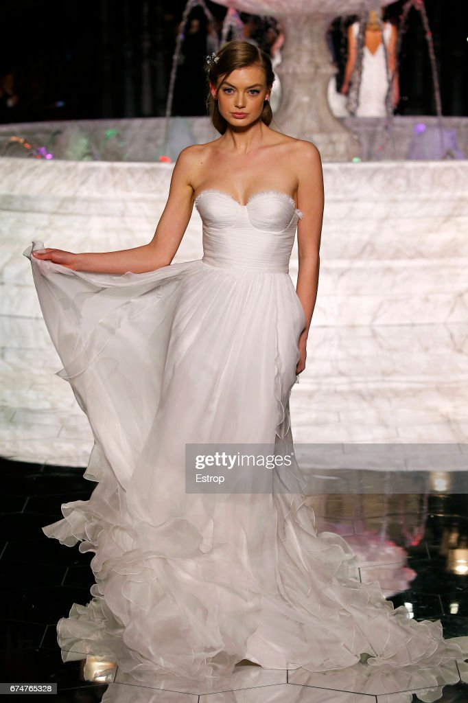 Pronovias Show - Barcelona Bridal Fashion Week 2017 : Nyhetsfoto