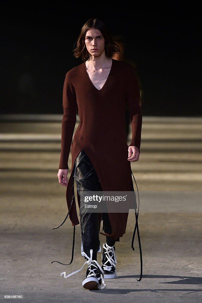 91. Pitti Uomo -  Sulvam Fashion Show : News Photo