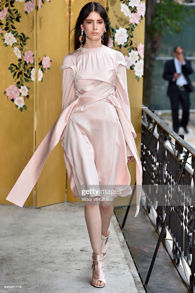 Adeam - Runway - September 2017 - New York Fashion Week : News Photo