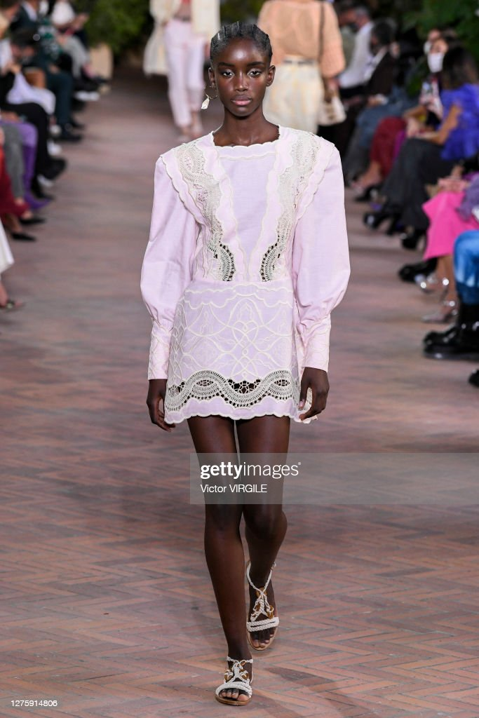 Alberta Ferretti - Runway - Milan Fashion Week Spring/Summer 2021 : Photo d'actualité