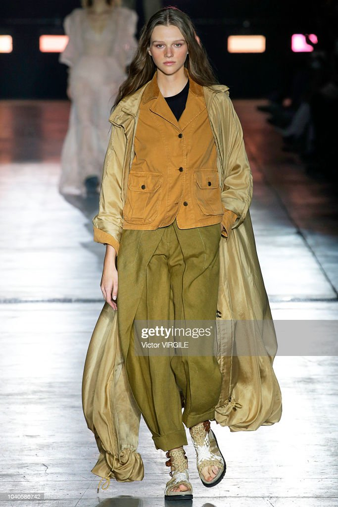 model-walks-the-runway-at-the-alberta-ferretti-ready-to-wear-fashion-picture-id1040586742