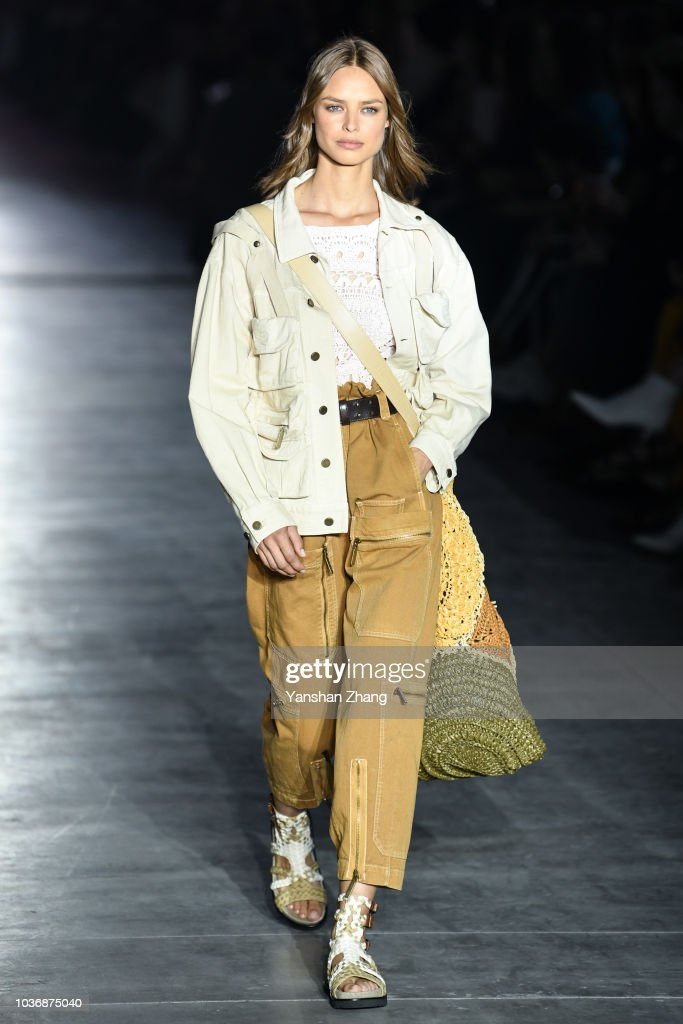 Alberta Ferretti - Runway - Milan Fashion Week Spring/Summer 2019 : News Photo