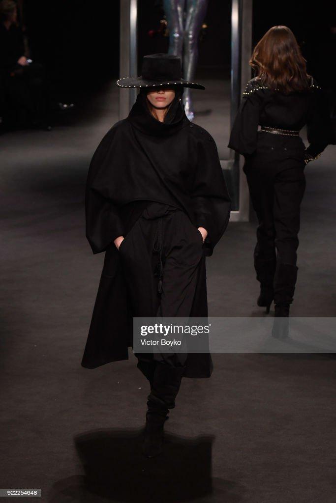 Alberta Ferretti - Runway - Milan Fashion Week Fall/Winter 2018/19 : News Photo