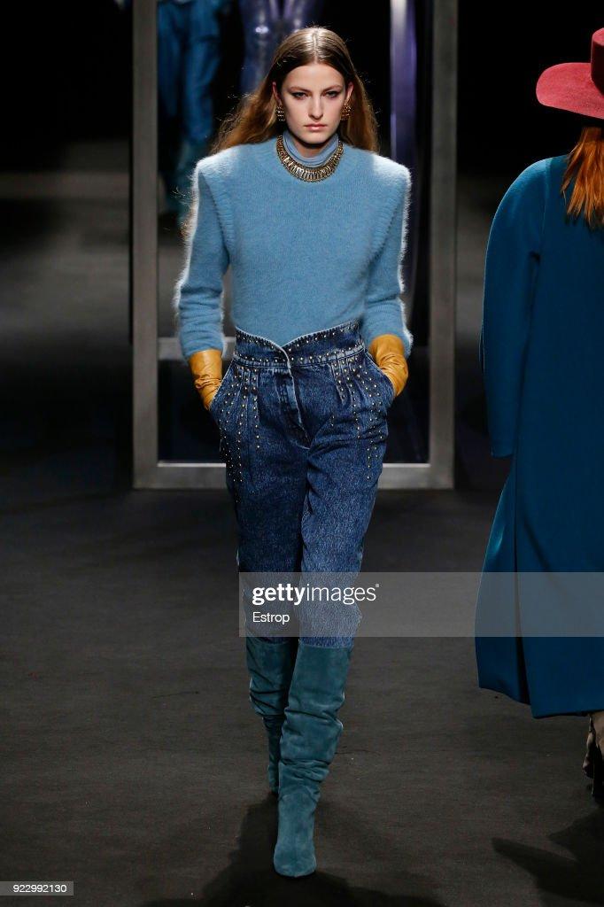 Alberta Ferretti - Runway - Milan Fashion Week Fall/Winter 2018/19 : Fotografía de noticias