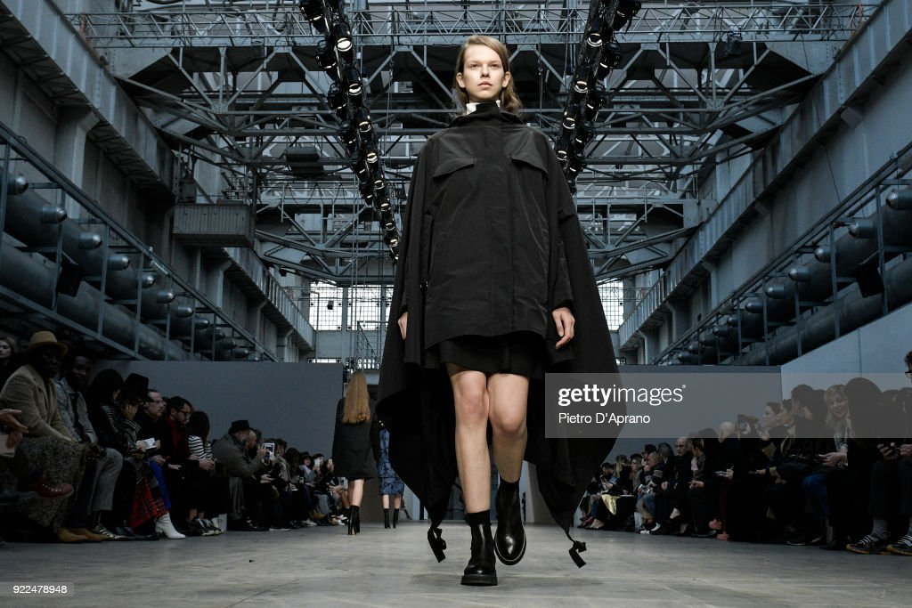Albino Teodoro - Runway - Milan Fashion Week Fall/Winter 2018/19 : Fotografía de noticias