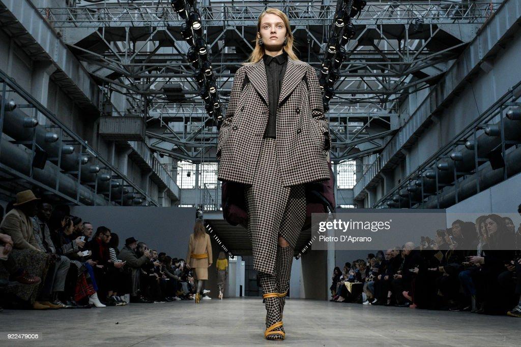 Albino Teodoro - Runway - Milan Fashion Week Fall/Winter 2018/19 : Nachrichtenfoto