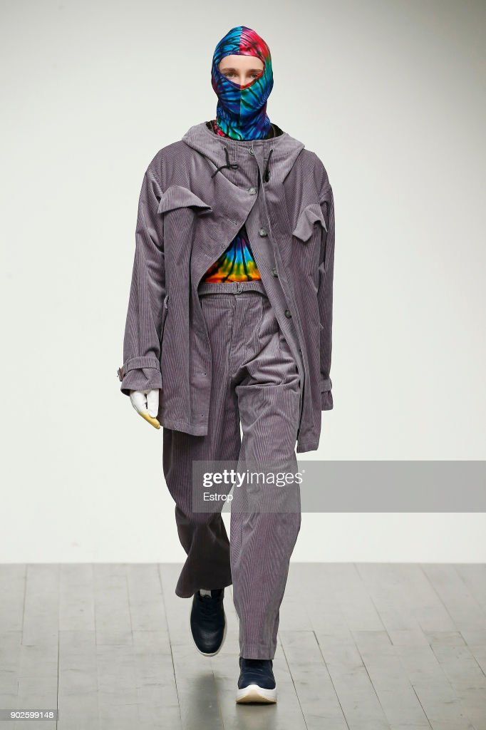 Alex Mullins - Runway - LFWM January 2018 : ニュース写真