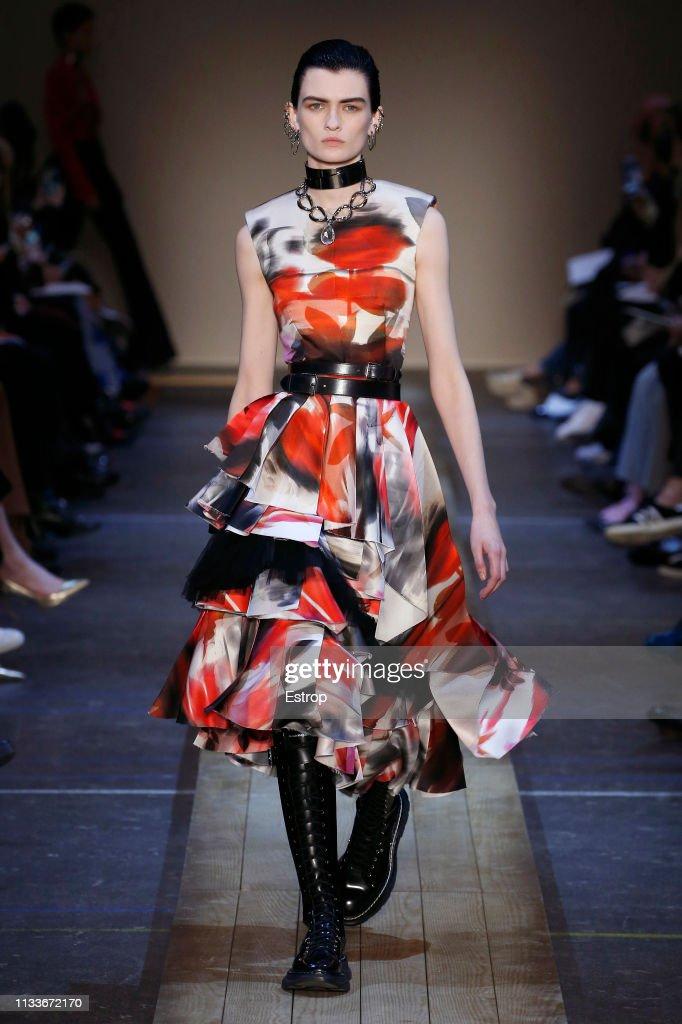 e81defa5baad Alexander McQueen   Runway - Paris Fashion Week Womenswear Fall Winter  2019 2020