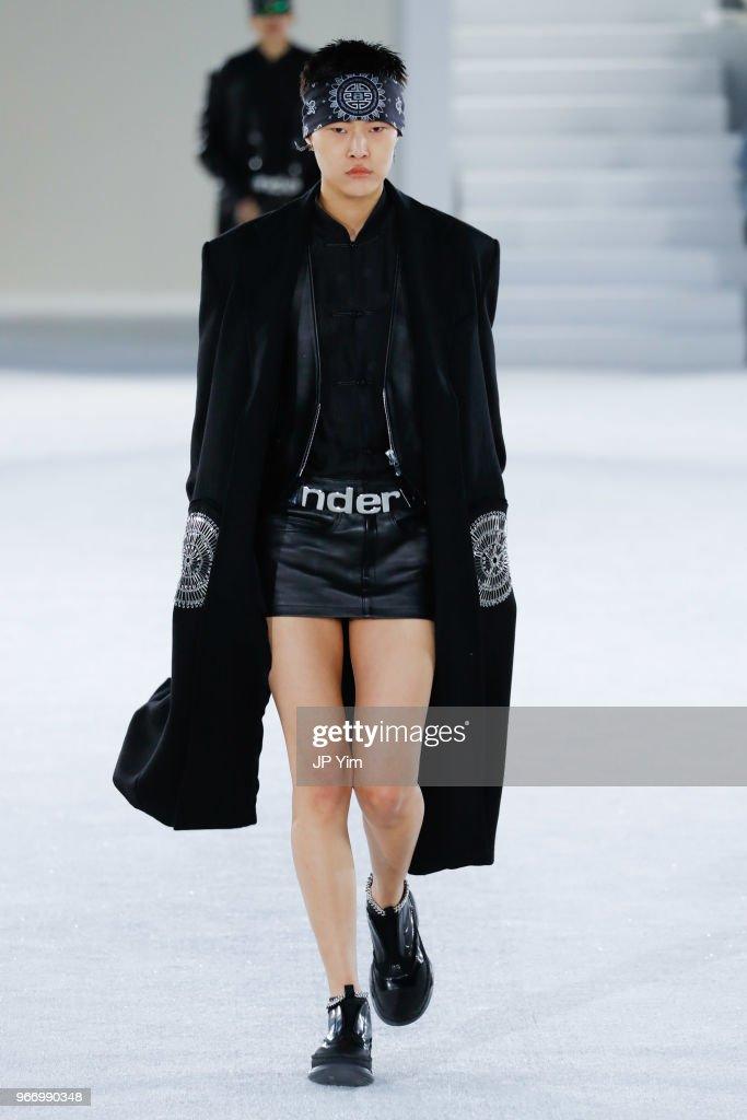Alexander Wang - Runway - June 2018 - New York Fashion Week : ニュース写真