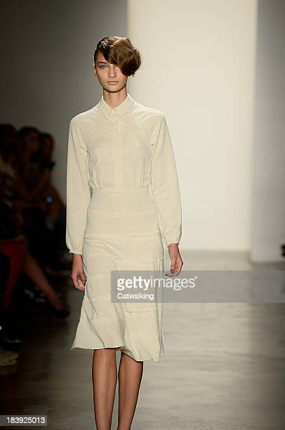A model walks the runway at the Alexandre Herchovitch Spring Summer 2014 fashion show during New York Fashion Week on September 7 2013 in New York...