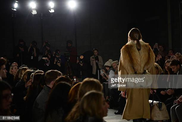 A model walks the runway at the Amanda Wakeley show during London Fashion Week Autumn/Winter 2016/17 at 2 Pancras Square on February 23 2016 in...