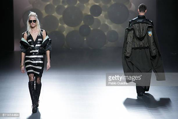 A model walks the runway at the Ana Locking show during the MercedesBenz Madrid Fashion Week Autumn/Winter 2016/2017 at Ifema on February 20 2016 in...