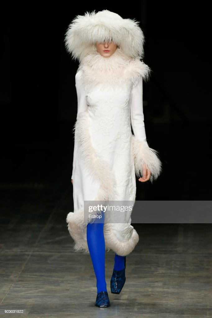 Angel Chen - Runway - Milan Fashion Week Fall/Winter 2018/19 : ニュース写真