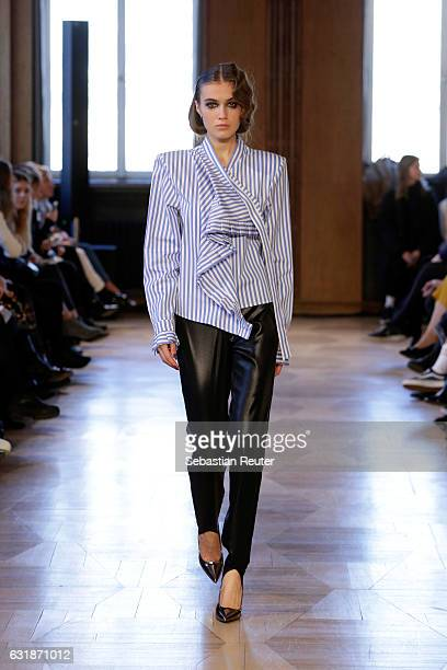 A model walks the runway at the Antonia Goy defile during the Der Berliner Mode Salon A/W 2017 at Kronprinzenpalais on January 17 2017 in Berlin...