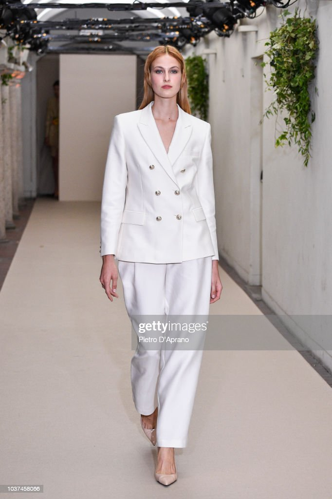 model-walks-the-runway-at-the-antonio-croce-show-during-milan-fashion-picture-id1037458066