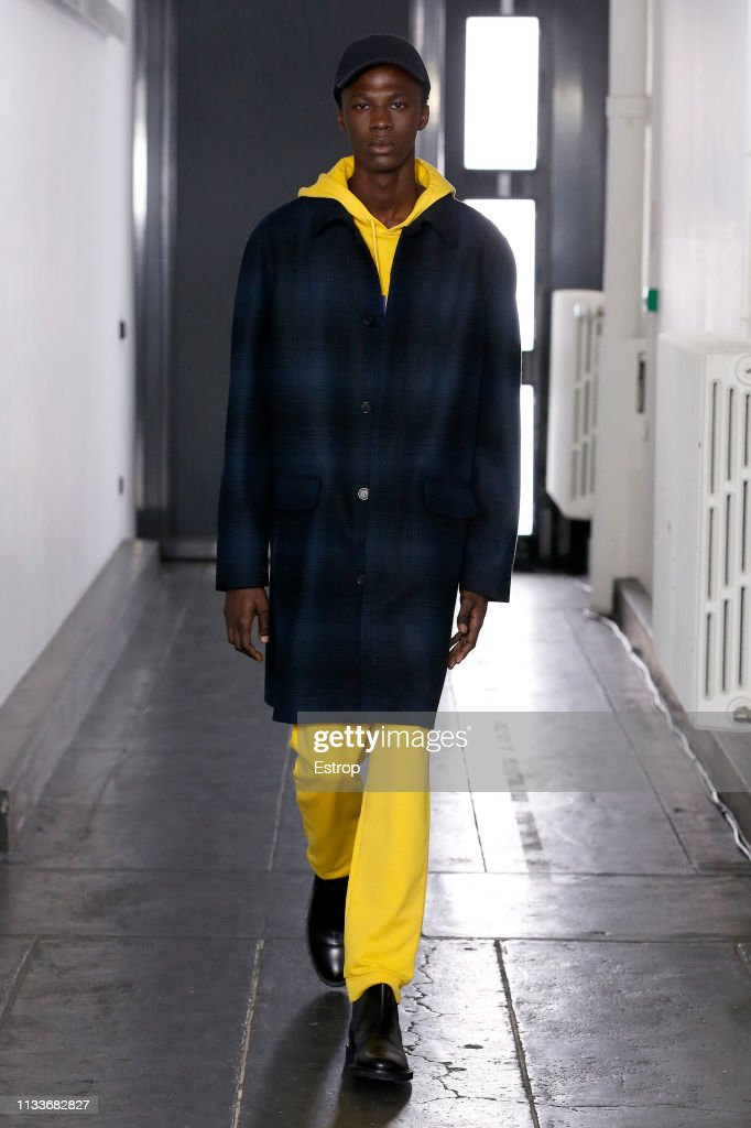 A.P.C : Runway - Paris Fashion Week Womenswear Fall/Winter 2019/2020 : Fotografía de noticias