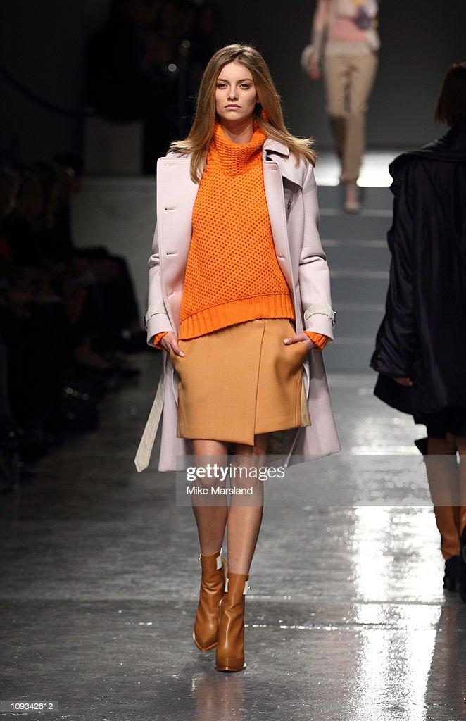 SS17 London Fashion Week Presentation / Aquascutum Blog 87