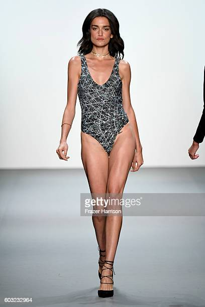 A model walks the runway at the ARTISTIX fashion show diuring New York Fashion Week The Shows at The Dock Skylight at Moynihan Station on September...