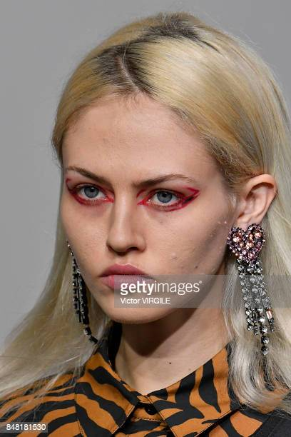 A model walks the runway at the Ashley Williams Ready to Wear Spring/Summer 2018 fashion show during London Fashion Week September 2017 on September...