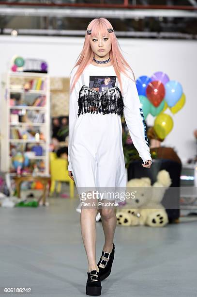 A model walks the runway at the Ashley Williams show during London Fashion Week Spring/Summer collections 2017 on September 16 2016 in London United...