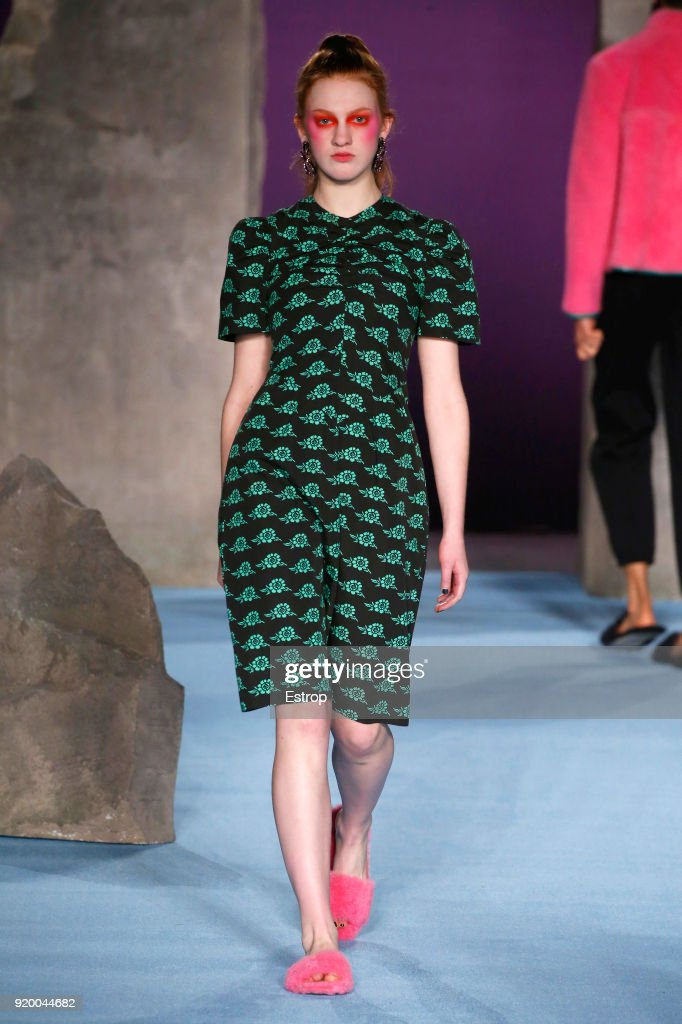Ashley Williams - Runway - LFW February 2018 : ニュース写真
